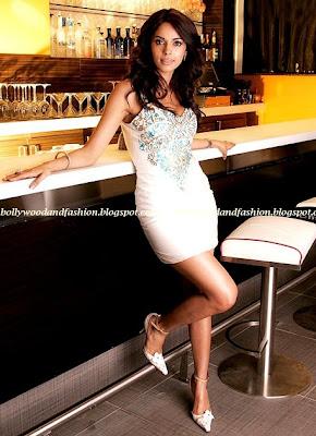 Malika sherawat - sexy nude legs