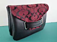 http://so-sew-easy.com/the-envelope-clutch-bag-free-bag-pattern/