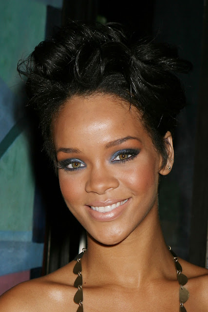 Rihanna Real Life Pictures - Photo Gallery 2011
