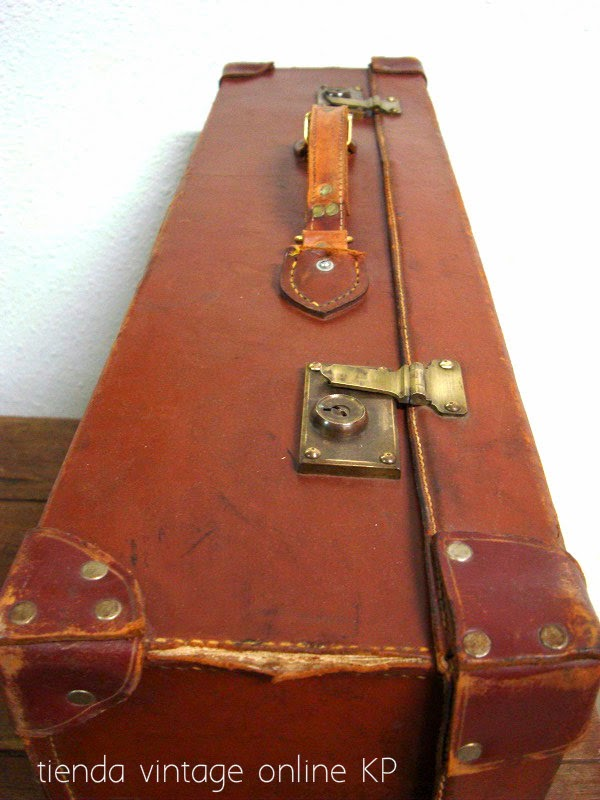 Comprar maletas antiguas para decoración
