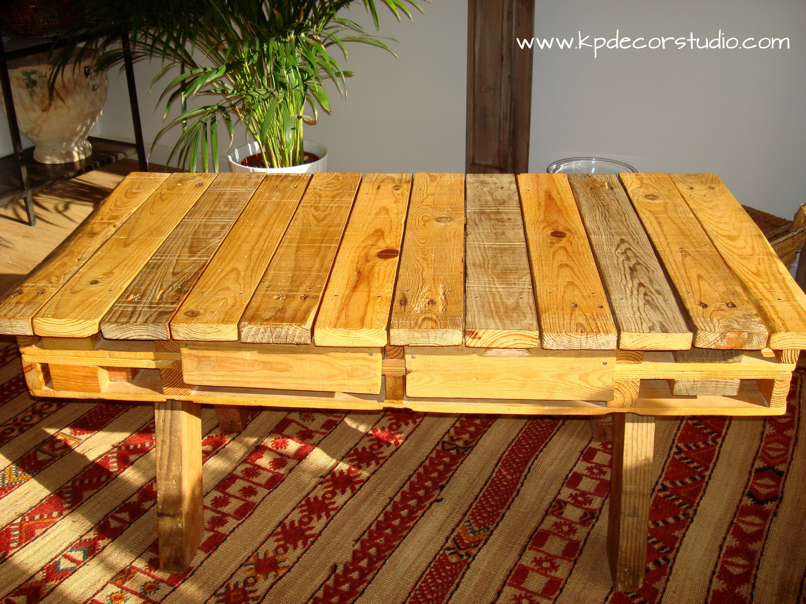 Kp decor studio mesa de madera palet por encargo exclusive wood table for sale - Comprar muebles de palets ...