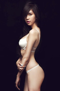 Ngoc Trinh Vietnam model hot photo gallery 5