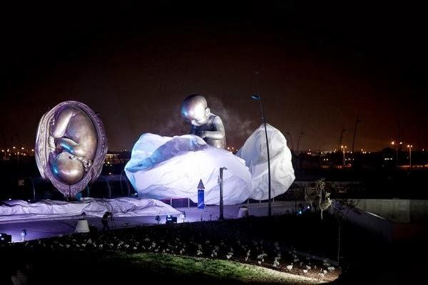 Mostrar la vida como medio para defenderla: 14 espectaculares esculturas en una ciudad cosmopolita 10
