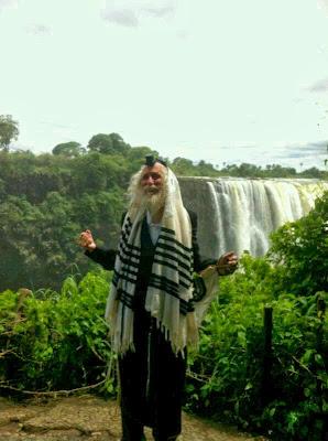הרב אליעזר ברלנד באפריקה