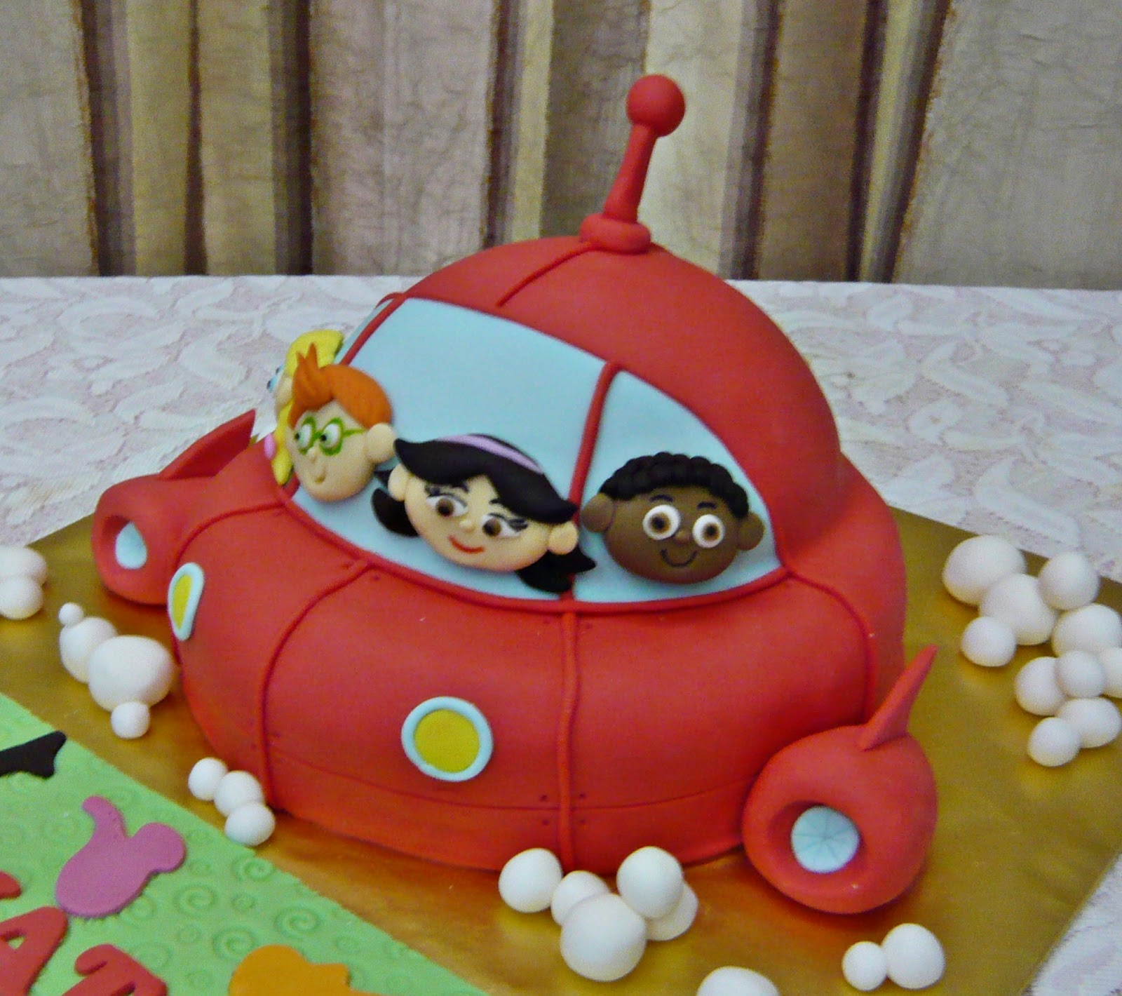 Jenn Cupcakes Muffins Little Einsteins Rocket Ship Cake