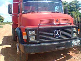 Vende-se, em Bom Jesus das Selvas um Caminhão Mercedes Benz 1113 Caçamba Toco.