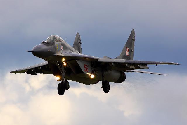 Polish Mig-29 Fulcrum landing