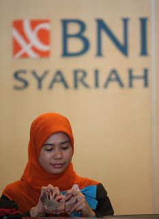 http://lokernesia.blogspot.com/2012/06/lowongan-bumn-bank-bni-syariah-juni_29.html