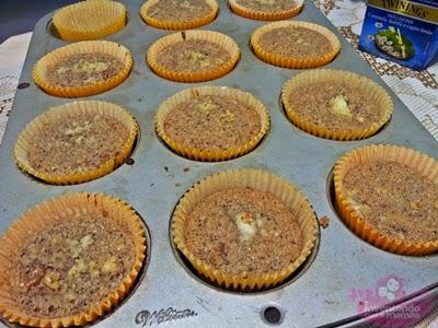 cupcake de coco com abacaxi sem glúten e sem lactose