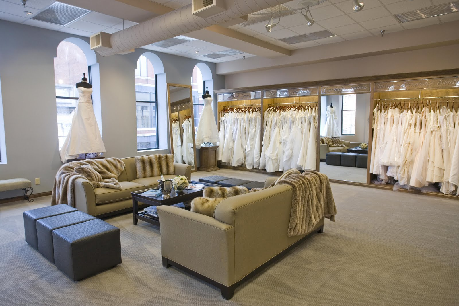Bridal boutique the bridal club is all about bridal for Boutique interior design