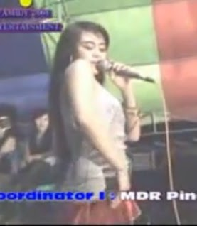 Dangdut Hot By Lina Geboy