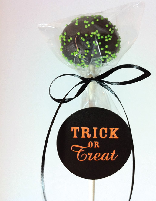 Halloween freebie printables cupcake and cakepop toppers