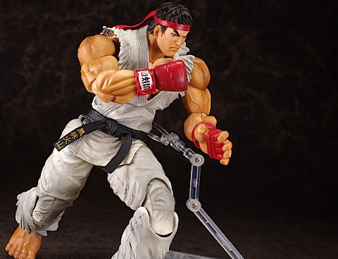 Play Arts Street Fighter Ryu