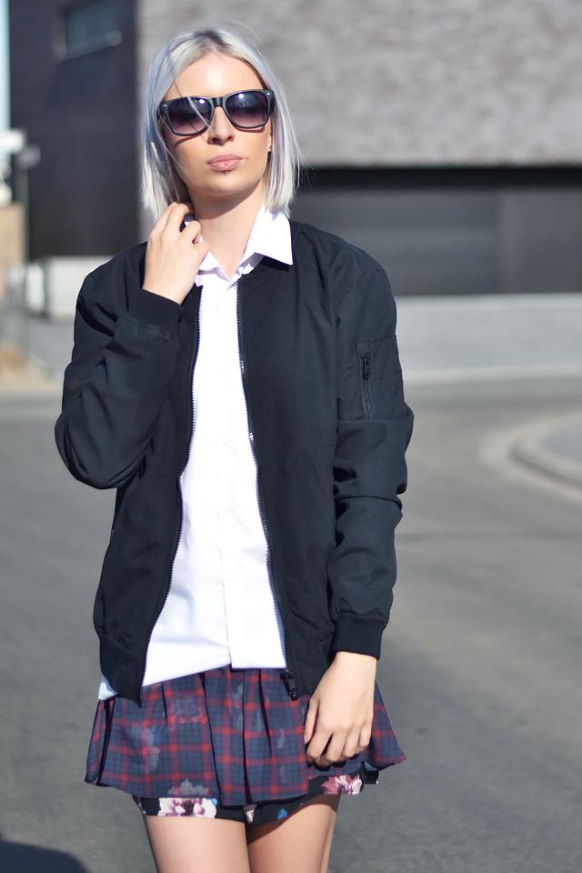 Outfit, ootd, bomber jacket, bershka, black, wayfarer sunglasses, white shirt, primark, zara skort, zara pony hair, slip ons, high, summer 2015, inspiration, street style