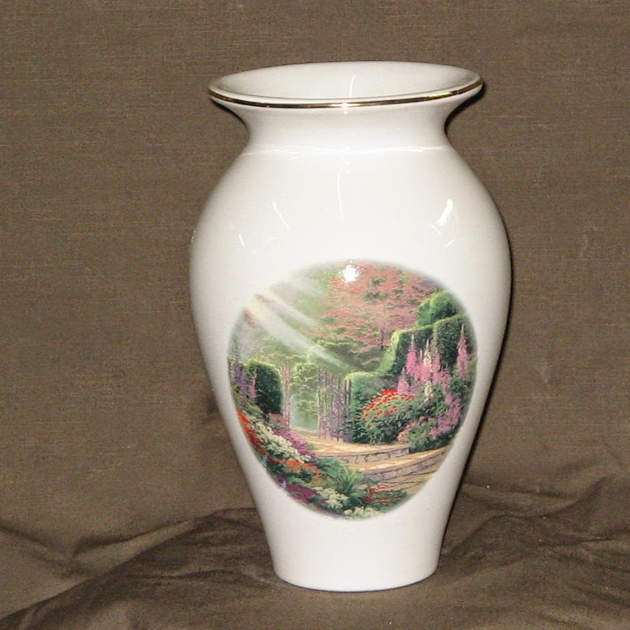 Thomas Kinkade Garden Vase