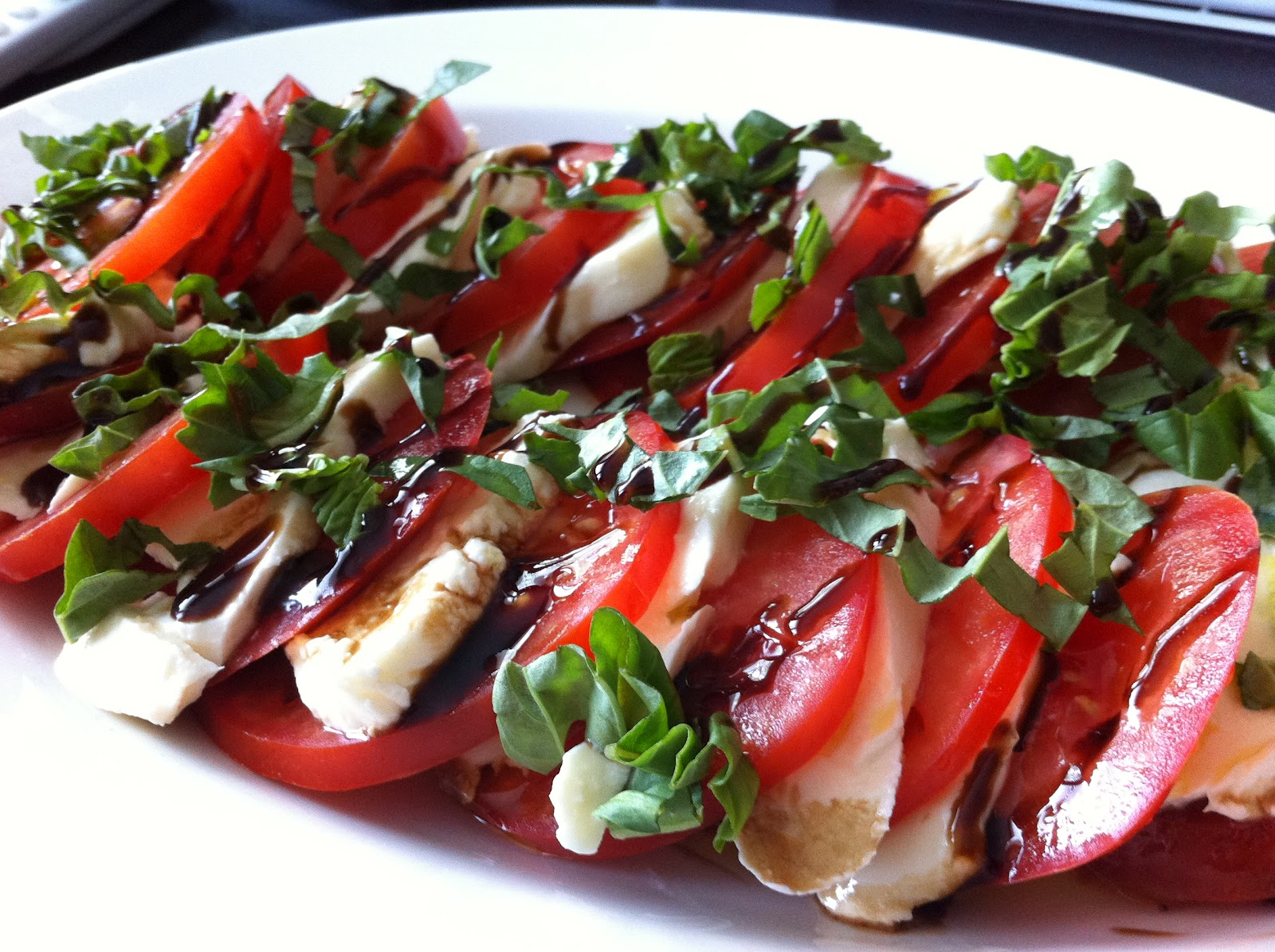Playing With My Food!: Easy Caprese Salad