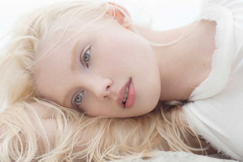napoili-i-viebali-moloduyu-blondinku