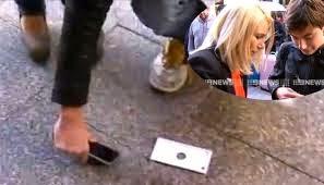 Fue uno de los primeros compradores del iPhone 6 pero no le duro mucho la alegria
