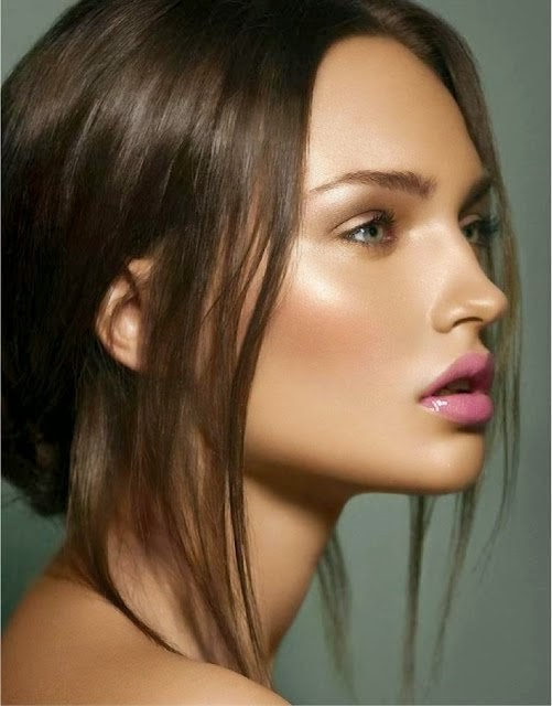 Fall-2014-Makeup-Trends-Glowing-Skin