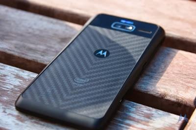 Motorola, Motorola RAZR i, RAZR i