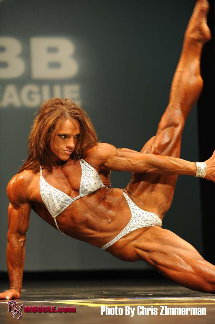 Sheila Bleck Flexes Her Shredded Physique At The 2011 IFBB Olympia