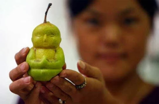 Frutas con formas curiosas, raras, divertidas, corazones, animales, genitales, humanas