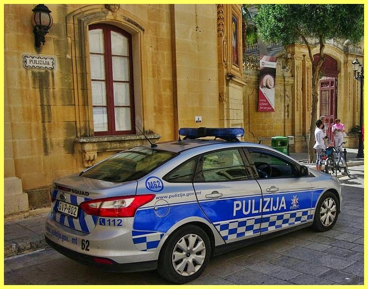 Policía Malta