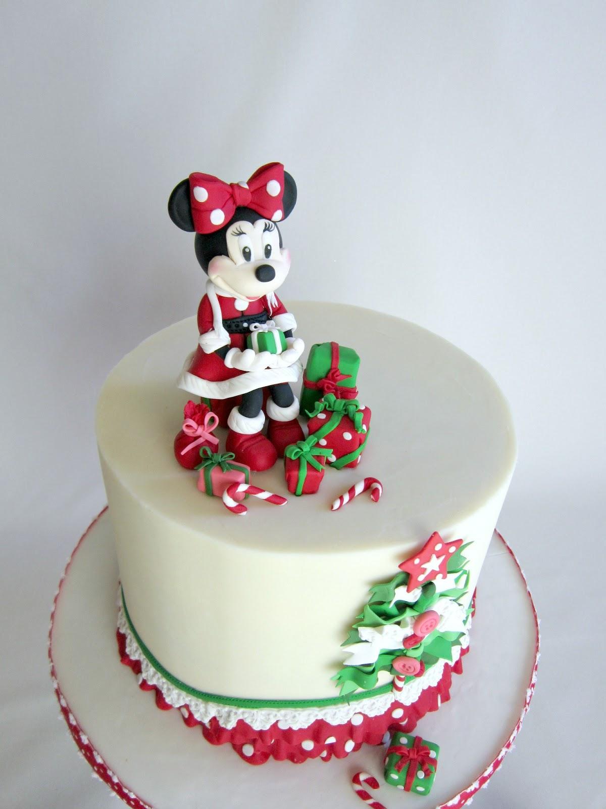 adorable minnie mouse christmas birthday cake