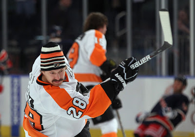 claude giroux flyers moustache