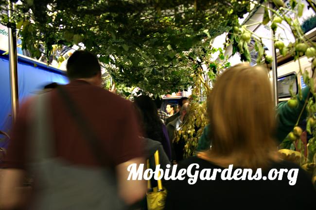 Passengers CTA mobile garden