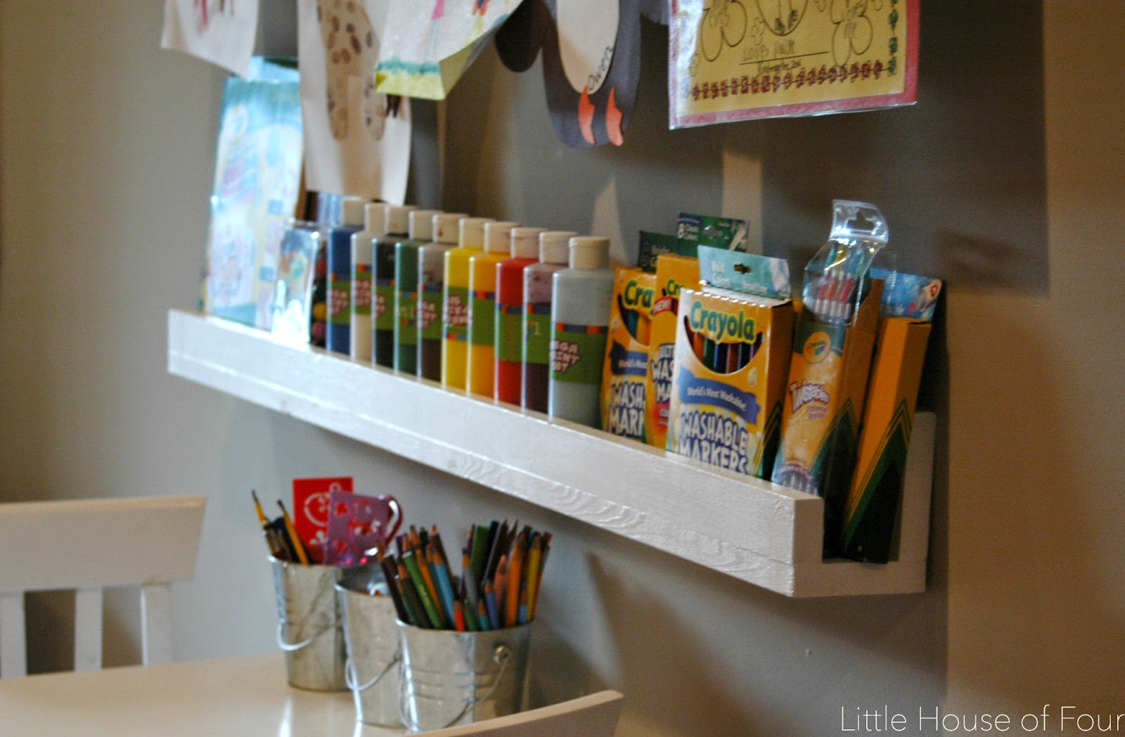 A perfectly organized art space for kids. - littlehouseoffour.com