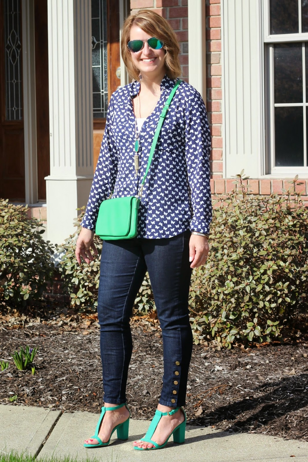 Spring look, Navy for spring, navy and green, express butterfly portofino, kelly green accessories