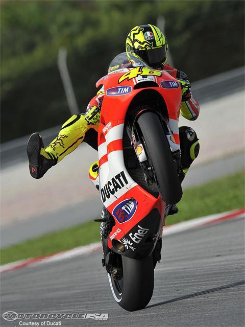 """Terima Kasih kamu sudah melihat """" Foto Valentino Rossi Ducati 2011"""