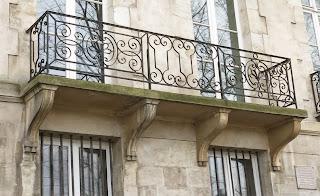 Balcon du 27 quai d'Anjou à Paris