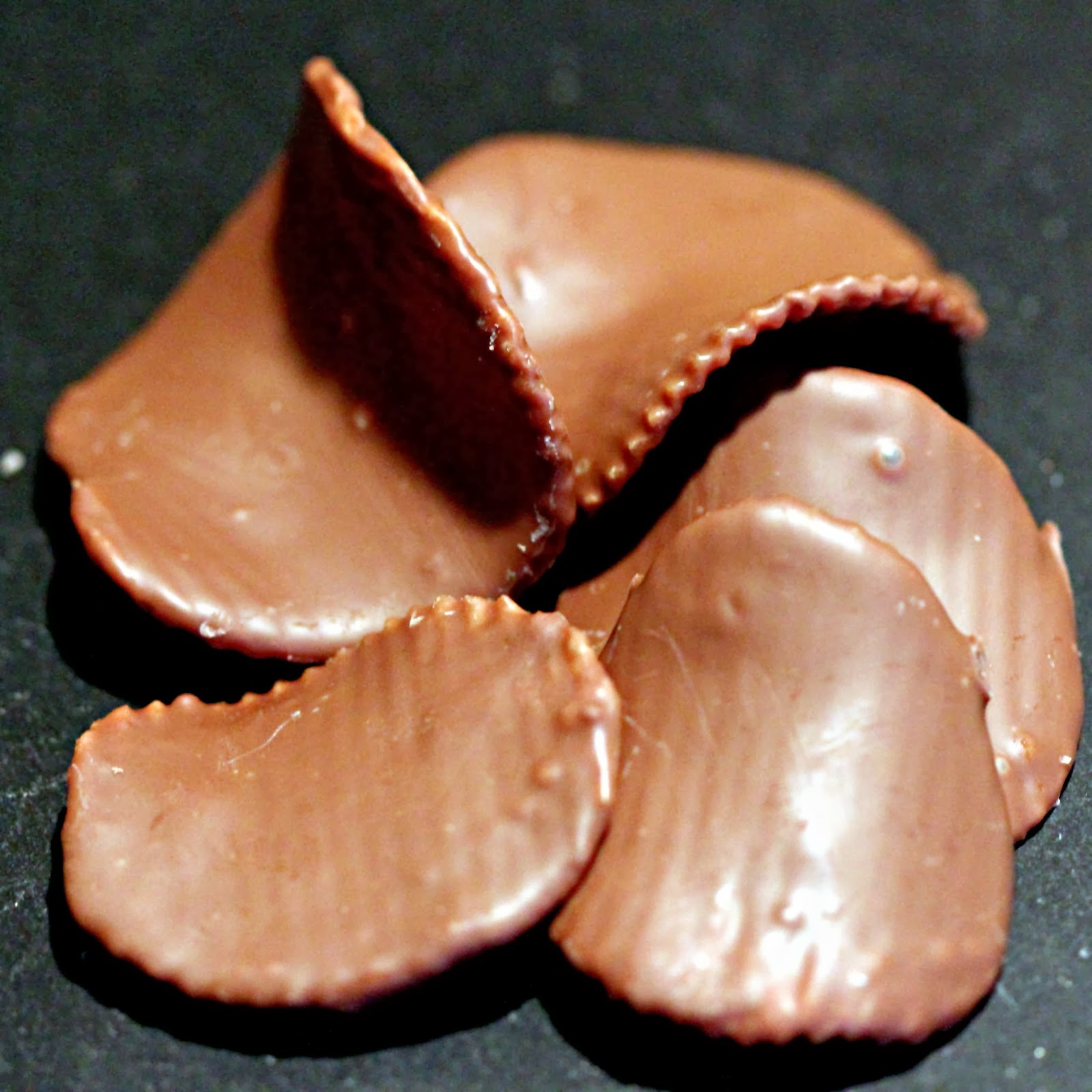 CookingWithGifs: Chocolate Covered Potato Chips