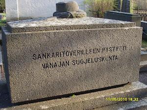 Vapaussotamme 1918 suojeluskuntamuistomerkki itsenäisyytemme alussa suuremmassa Suomessa