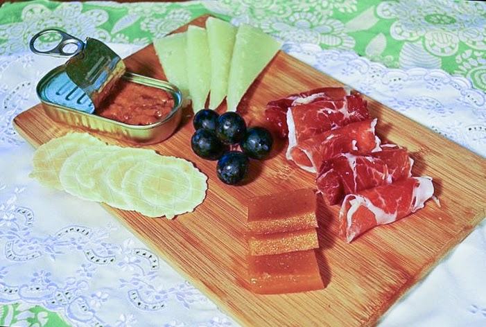 Appetisers: Seafood Paté, Sea Urchin Caviar, Cheese