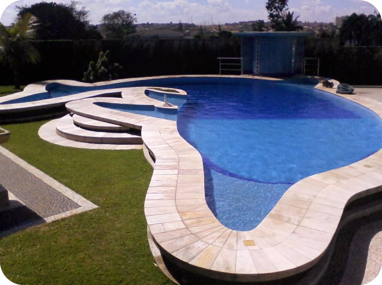 Piscinas veja 30 modelos e dicas para decorar sua rea for Ver piscinas