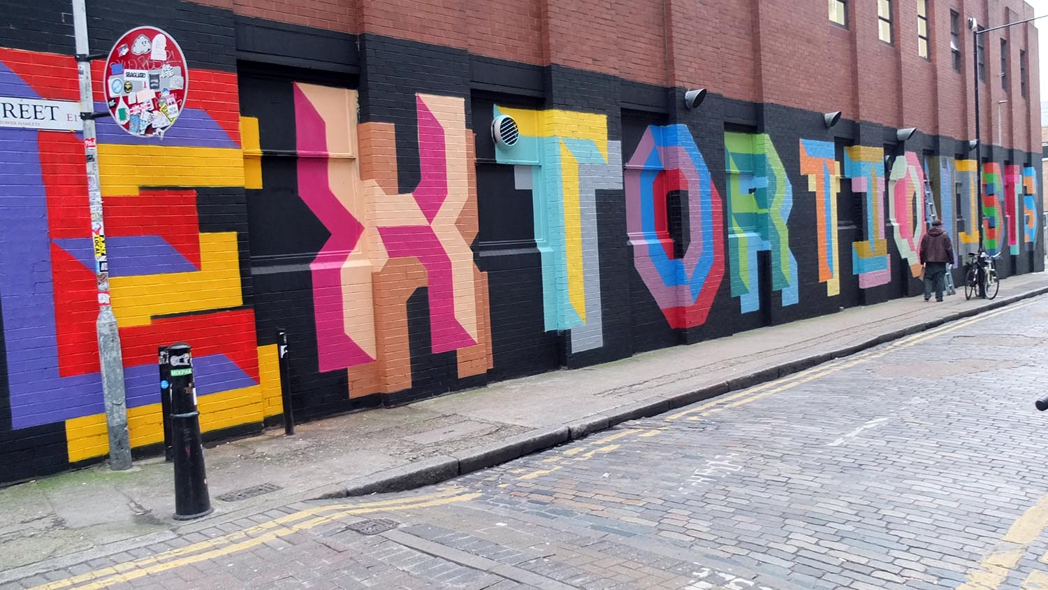 ben eine has been out and about in london over the past few days painting his classic letters in shoreditch the british artist delivers a signature piece
