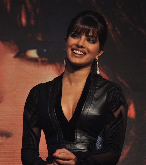 priyanka chopra cute stills