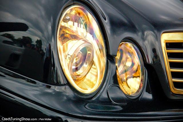w208 headlights
