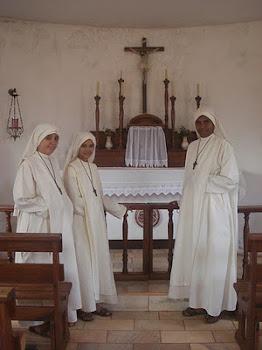 Irmãs Escravas de Maria.