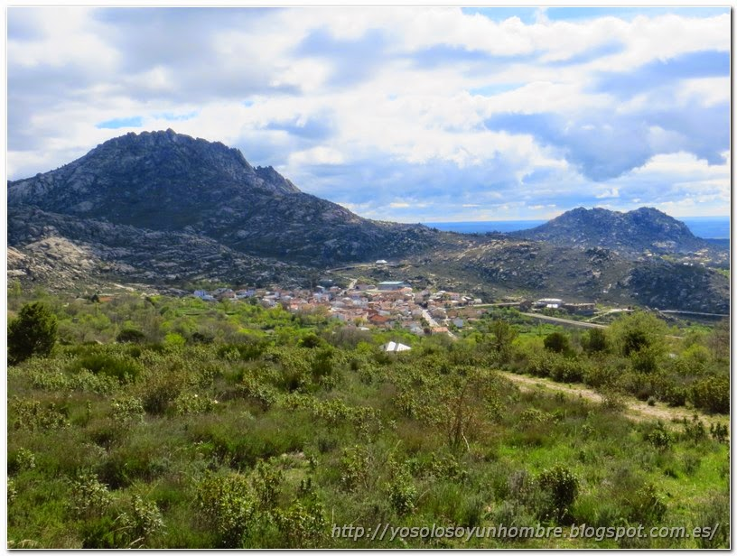 vista de Peña del Hierro y el pueblo de Valdemanco