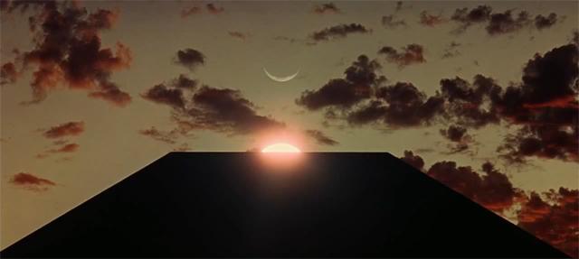 2001: el Monolito es el ritual hierogámico-sacrificial (1)