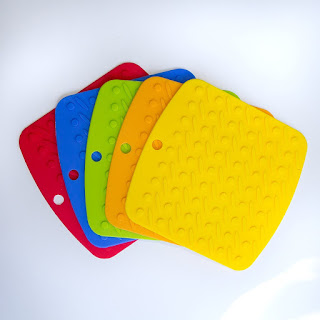http://www.amazon.com/silicone-Holders-trivet-non-slip-garlic/dp/B011A909TQ/ie=UTF8?m=A2ZU3XCKQLQU7Q&keywords=kitchen+towels+and+pot+holders