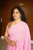 Singer Sunitha dazzling saree photos-thumbnail-5