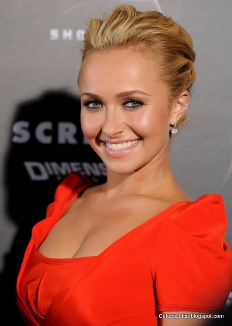 "Hayden Panettiere – ""Scream 4"" Premiere in Los Angeles"