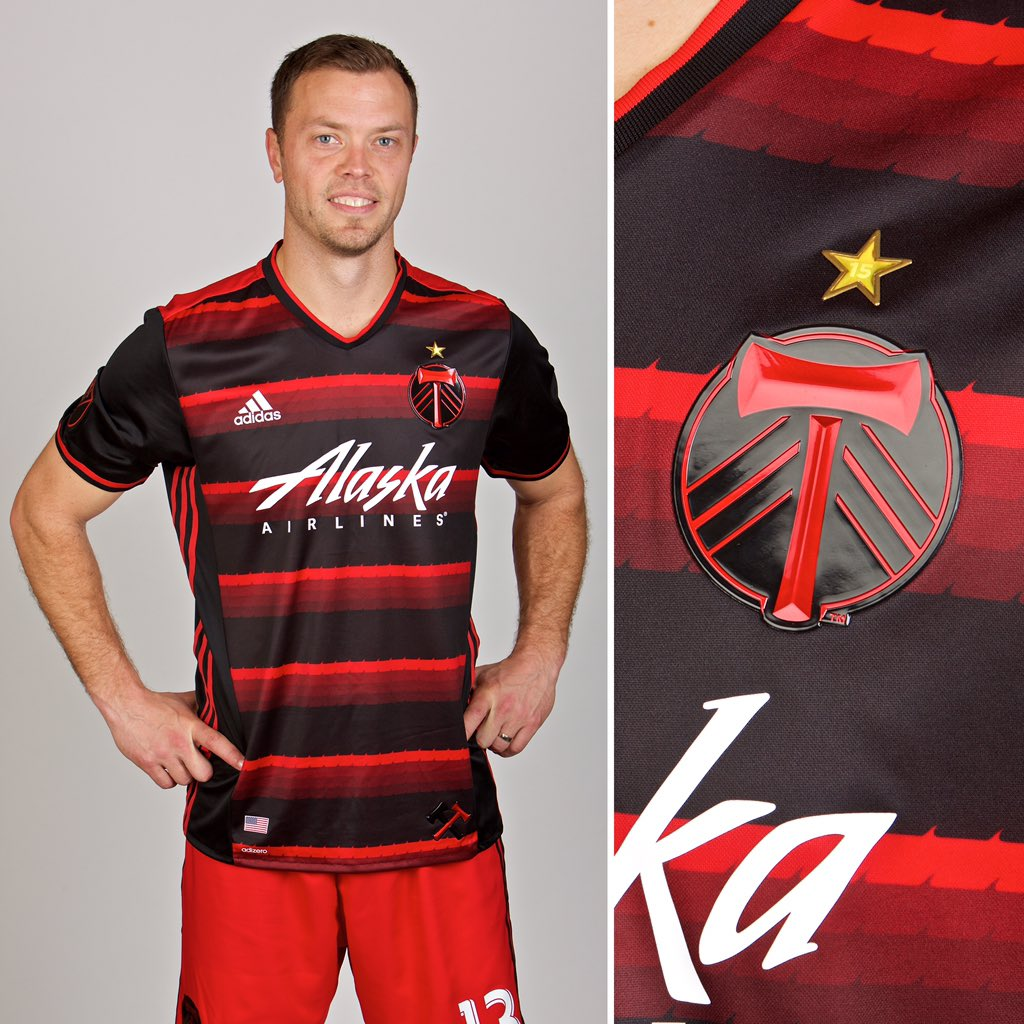 portland-timbers-2016-away-kit-2.jpg