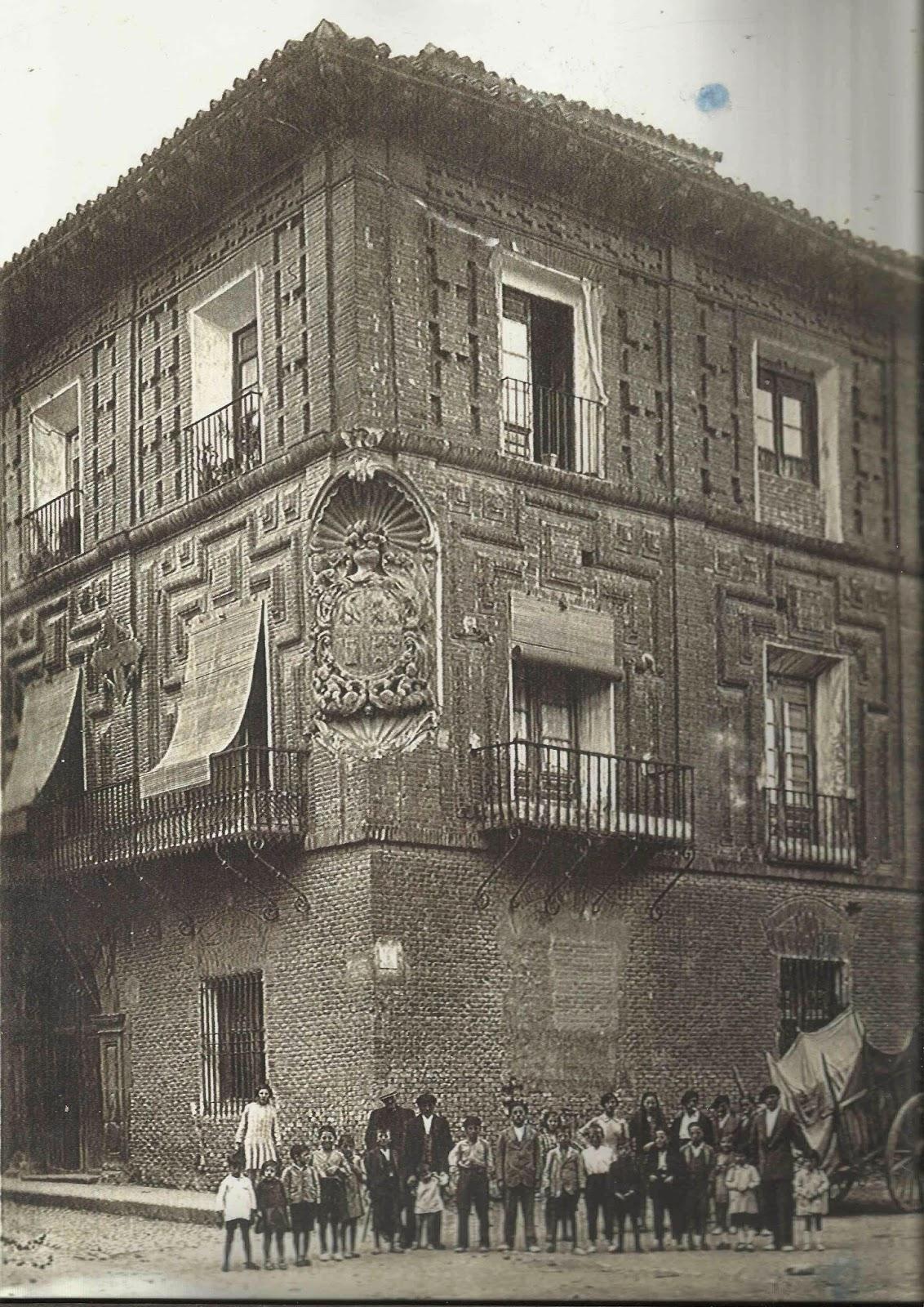 Agust n fern ndez prada casa de las cadenas cual es for Cual es el significado de arquitectura