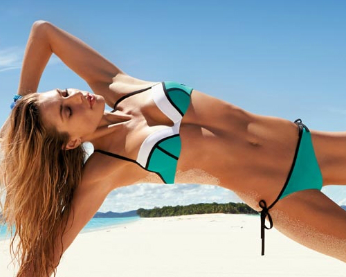 Zsínóros nyakba kötős bikini - bikini divat 2013